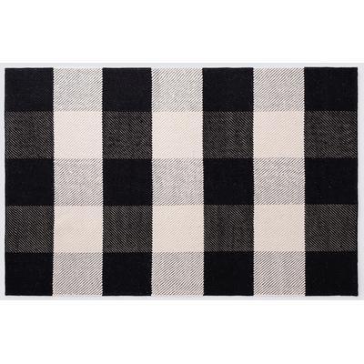 Buffalo 8' x 10' Accent Rug – Black/White